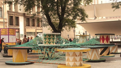 Intervención Urbana: Equipamiento Extraordinario, un nuevo punto de encuentro e interacción social / Basurama