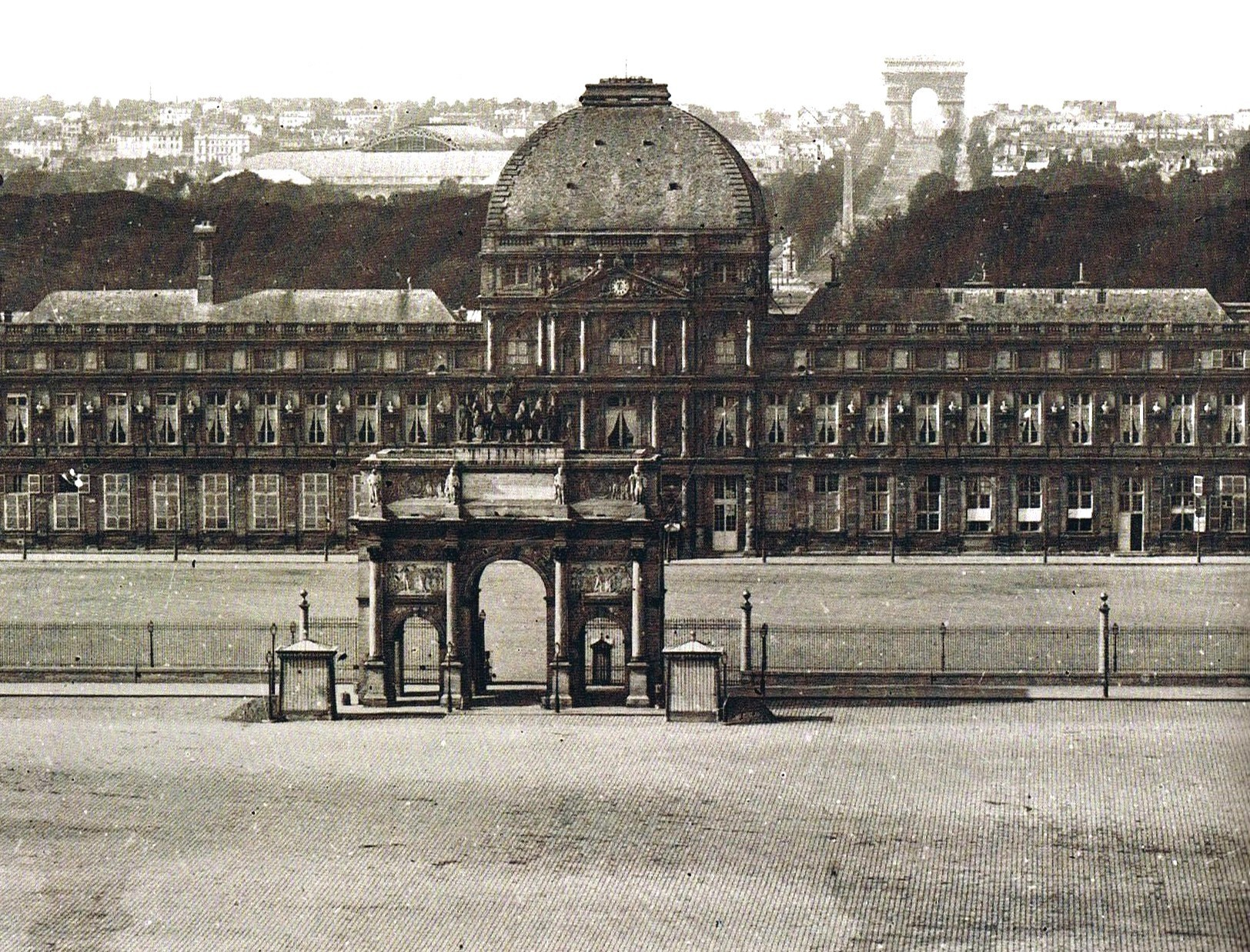 Tuileries palace circa 1860