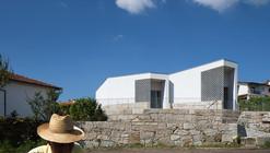 Casa Mortuoria en Vila Caiz / Raul Sousa Cardoso + Graça Vaz