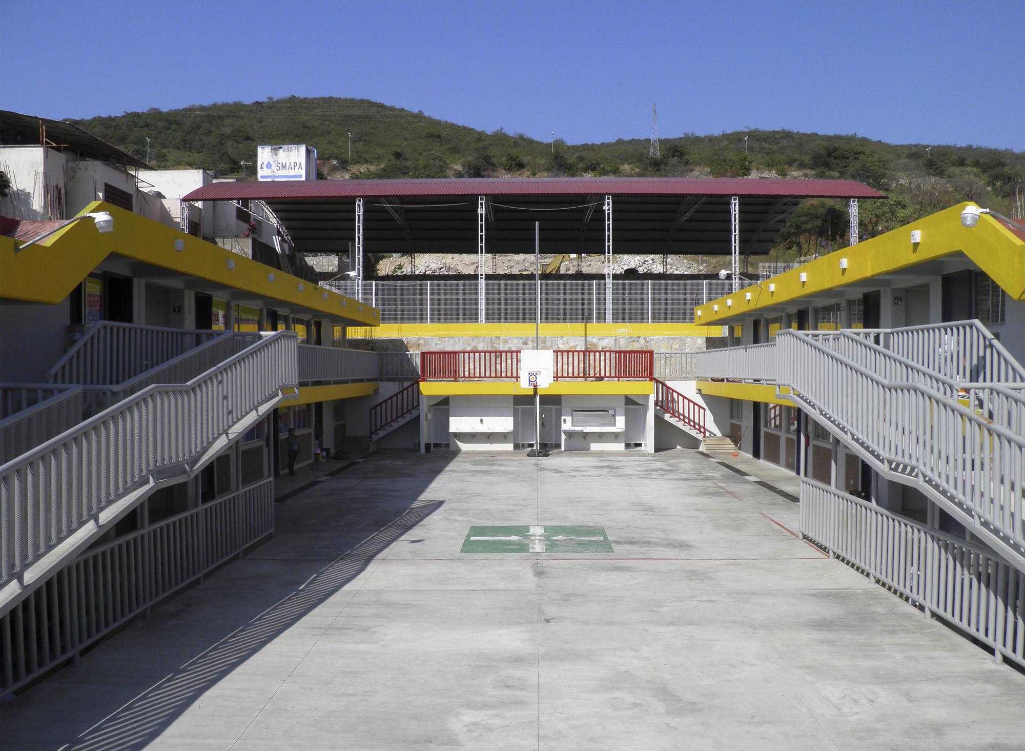 Colegio Octavio Paz / Ricardo Espinosa Arquitectos, © José Gómez