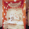 Moore's wacky bedframe in his New Haven home, complete with trompe l'oeil dome overhead. Image Courtesy of Metropolis Magazine