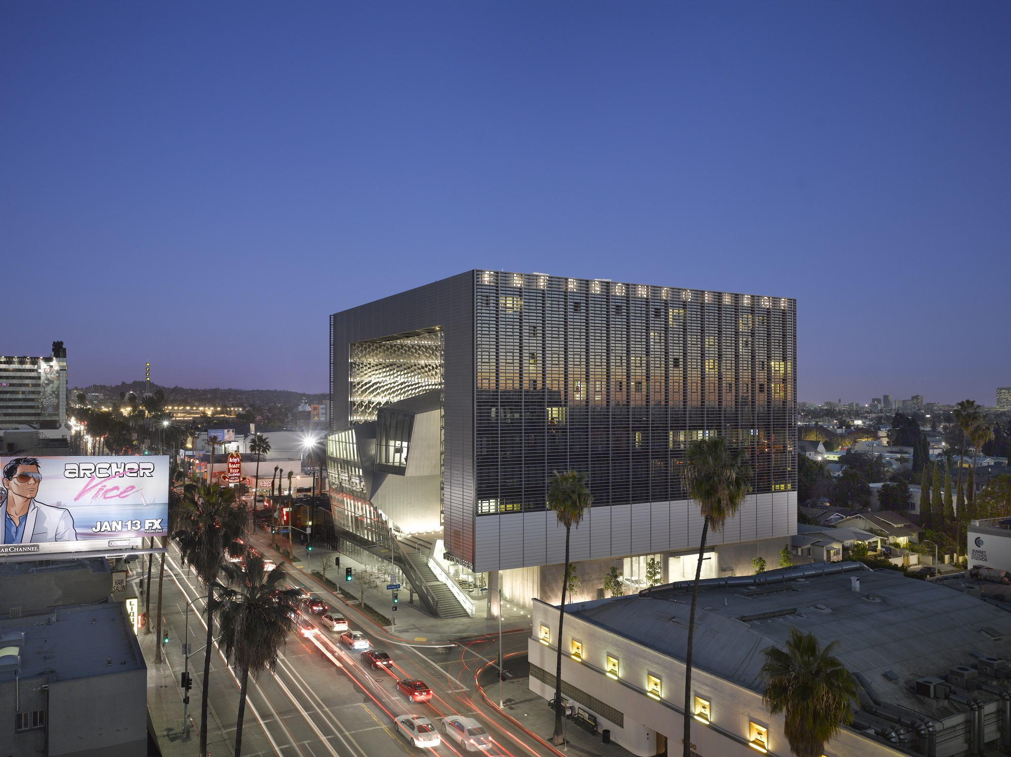 Emerson College Los Angeles © Roland Halbe