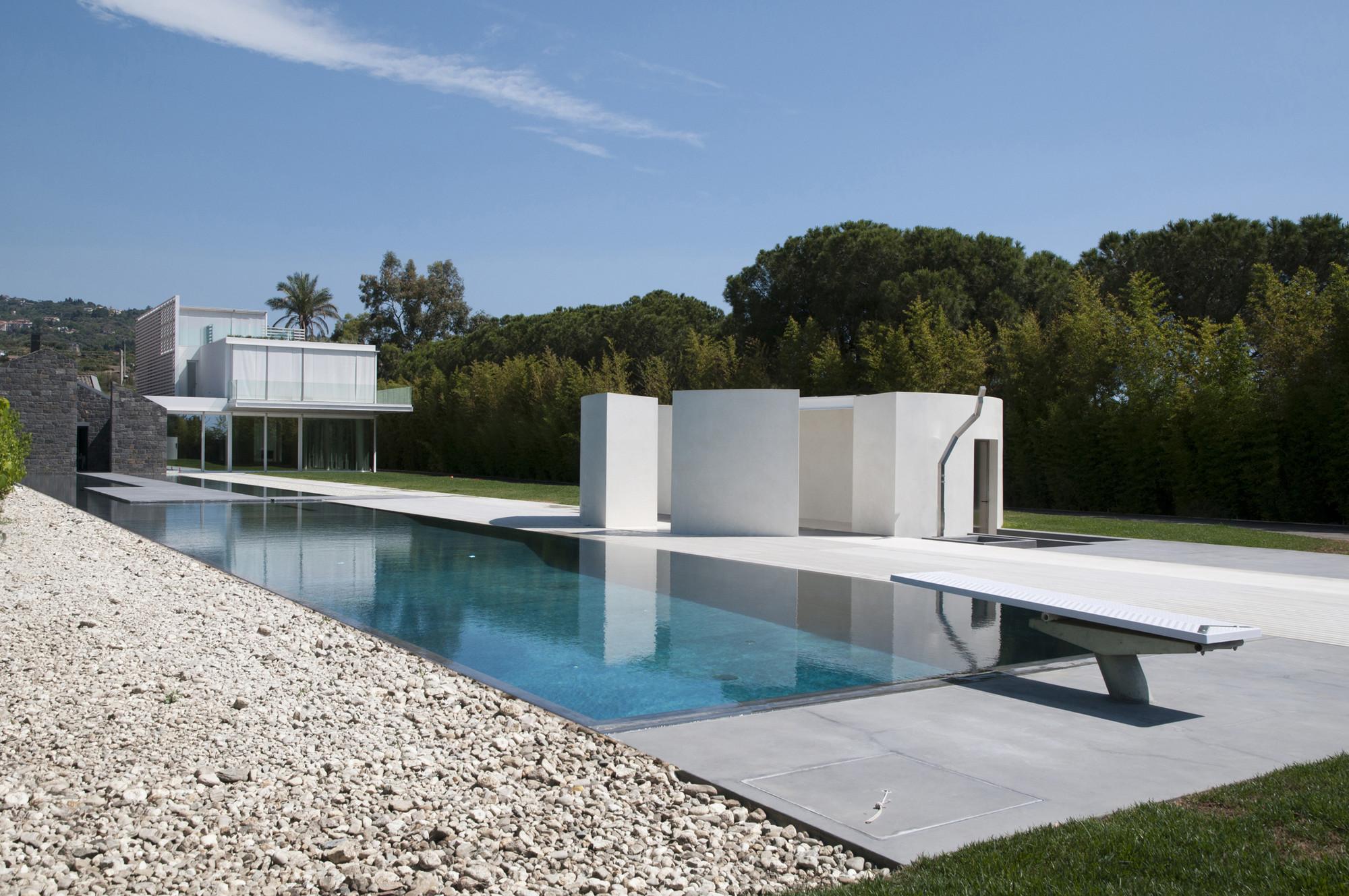 Villa a a oma archdaily for Piscine home design