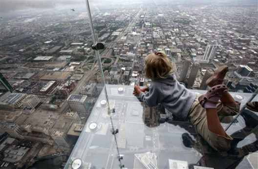 How Safe Are Glass Skyscrapers Really?, The Willis Tower's Glass Balcony. Image Courtesy of Jared Newman, DesignCrave.com