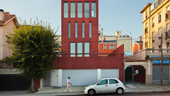 Mercedes House In Garden City / CREUSeCARRASCO Arquitectos