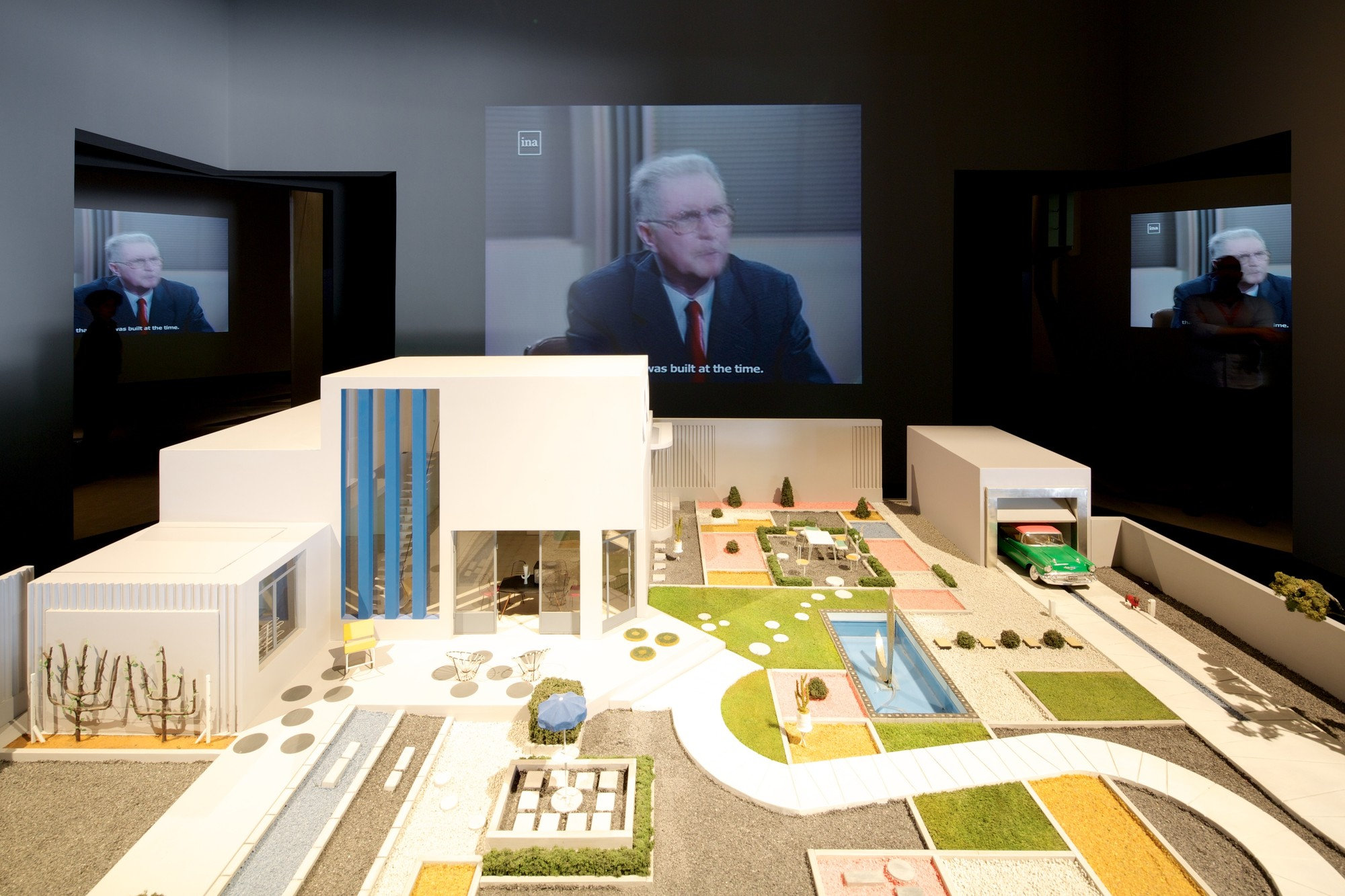 Jacques Tati y Villa Arpel: ¿objeto de deseo o de ridículo?. Image © Nico Saieh