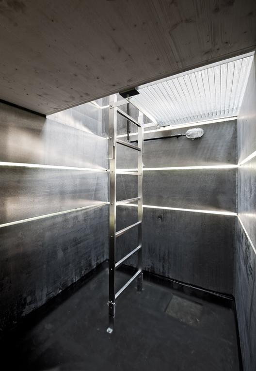 one man sauna modulorbeat archdaily. Black Bedroom Furniture Sets. Home Design Ideas