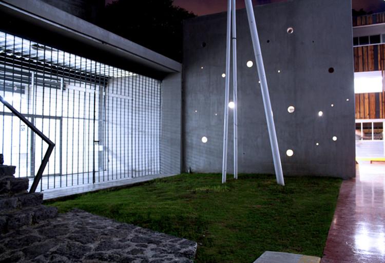 Intervención en el Instituto Piaget / 2puntocero arquitectura