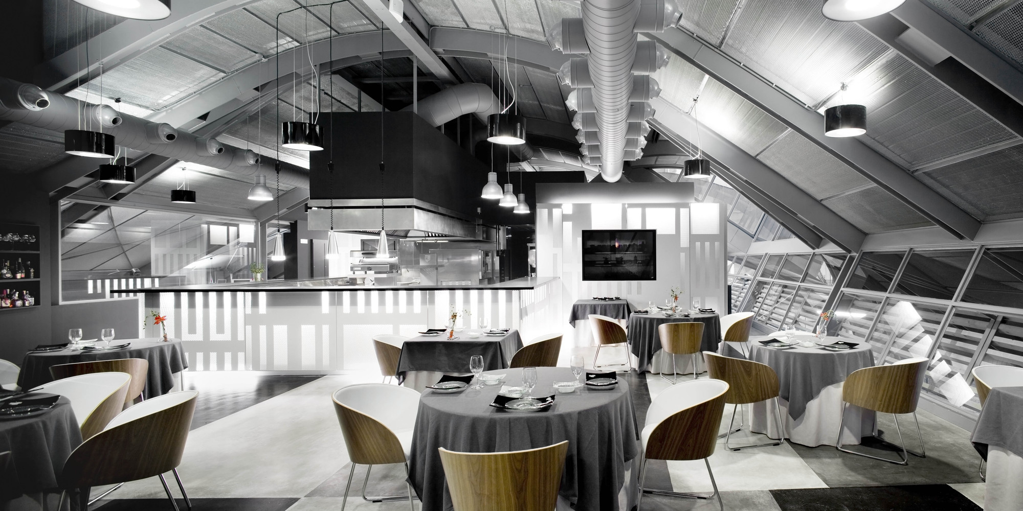 Restaurant Michelin. Image © Adrià Goula