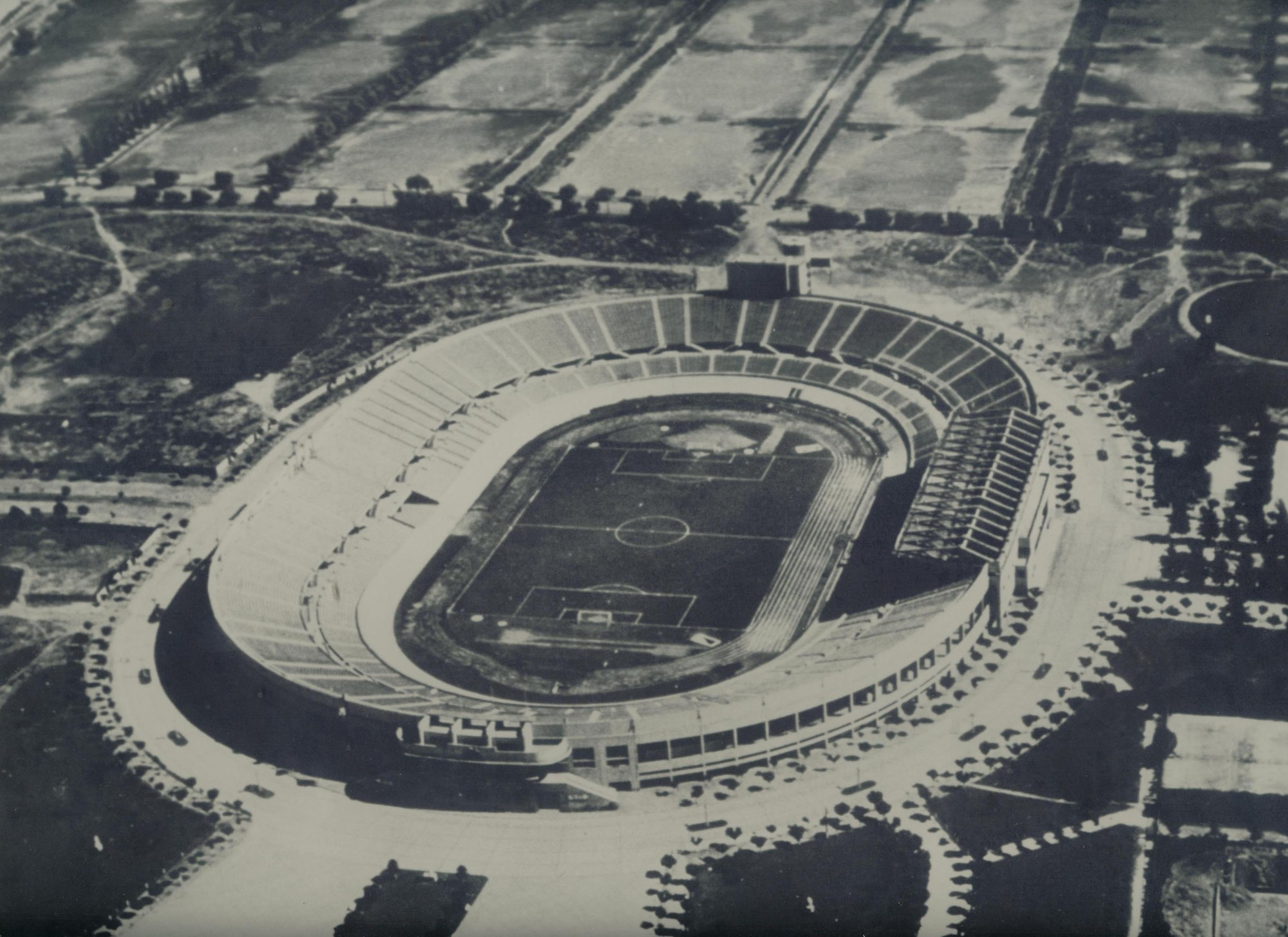 Estadio Nacional (1938). Image © Pedro Encina [Flickr]