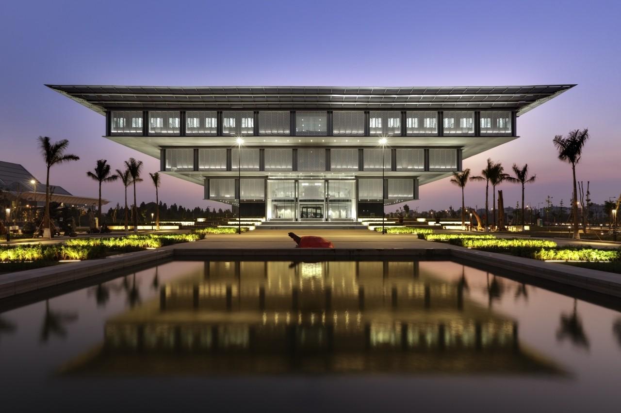 Hanoi Museum / gmp Architekten. Image © Marcus Bredt