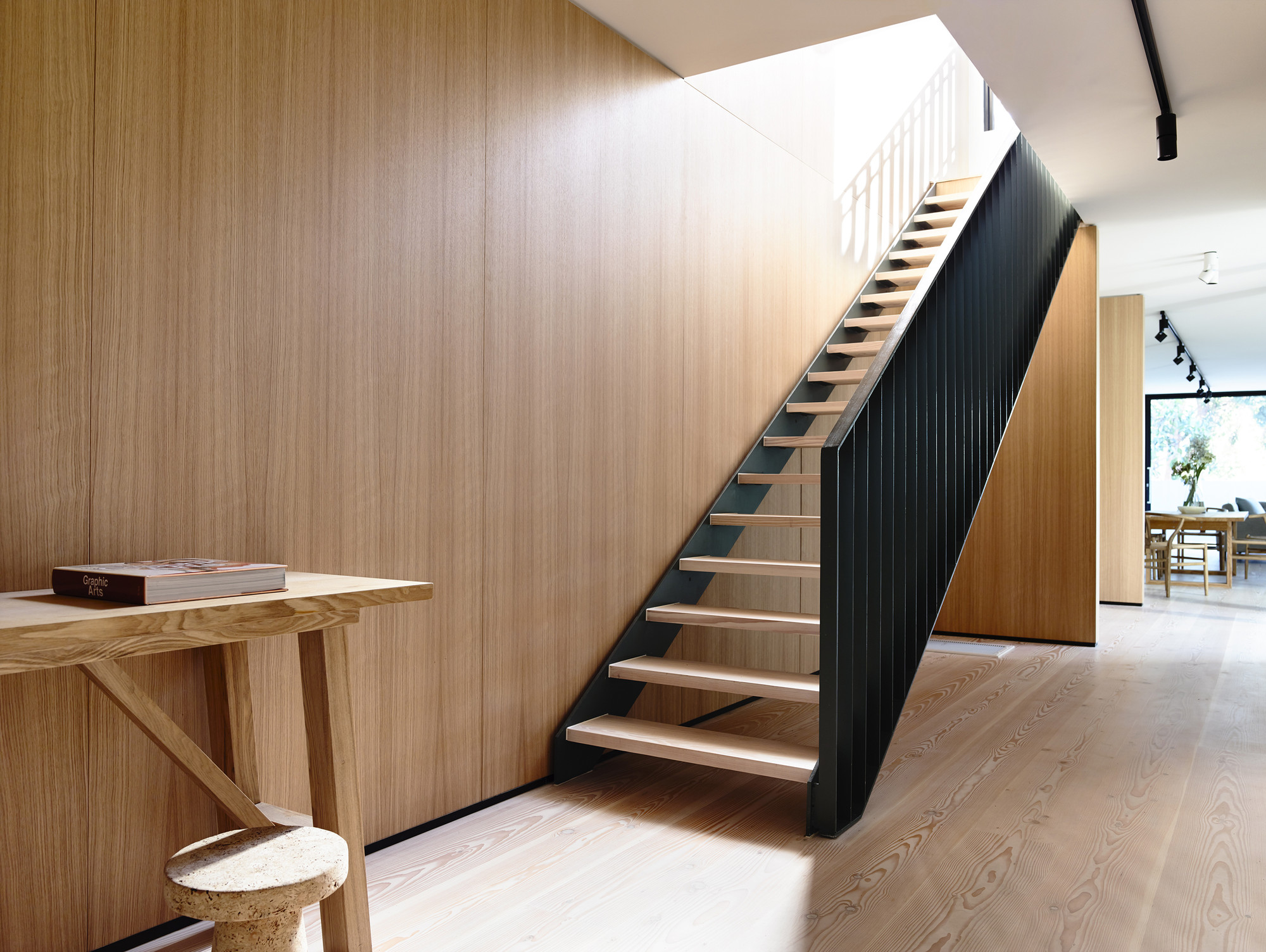 Gallery of fairbairn house inglis architects 2 - Casas con escaleras interiores ...