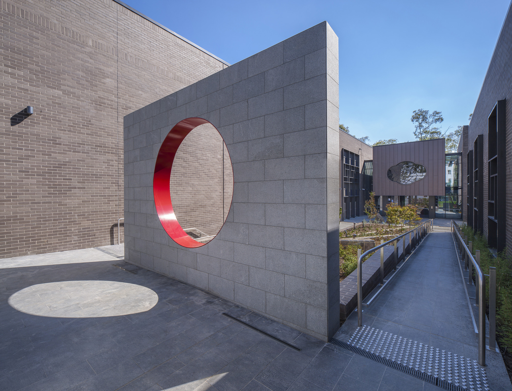 Romaldo Giugola Award for Public Architecture – Australian National University Australian Centre on China in the World by Munns Sly Moore Architects in Association with Mo Atelier Szeto. Image © Ben Wrigley