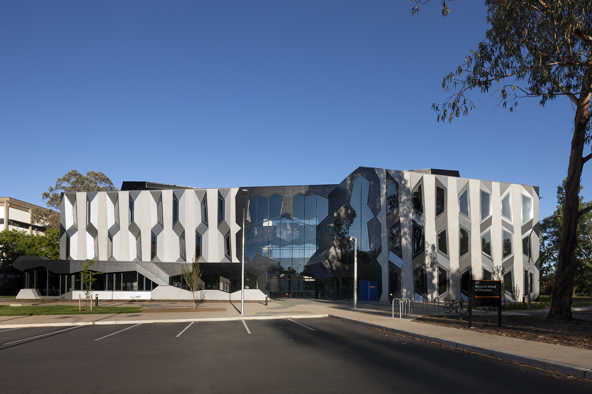 Award – Colleges of Science – Chemistry Sciences Building by Lyons. Image © Dianna Snape