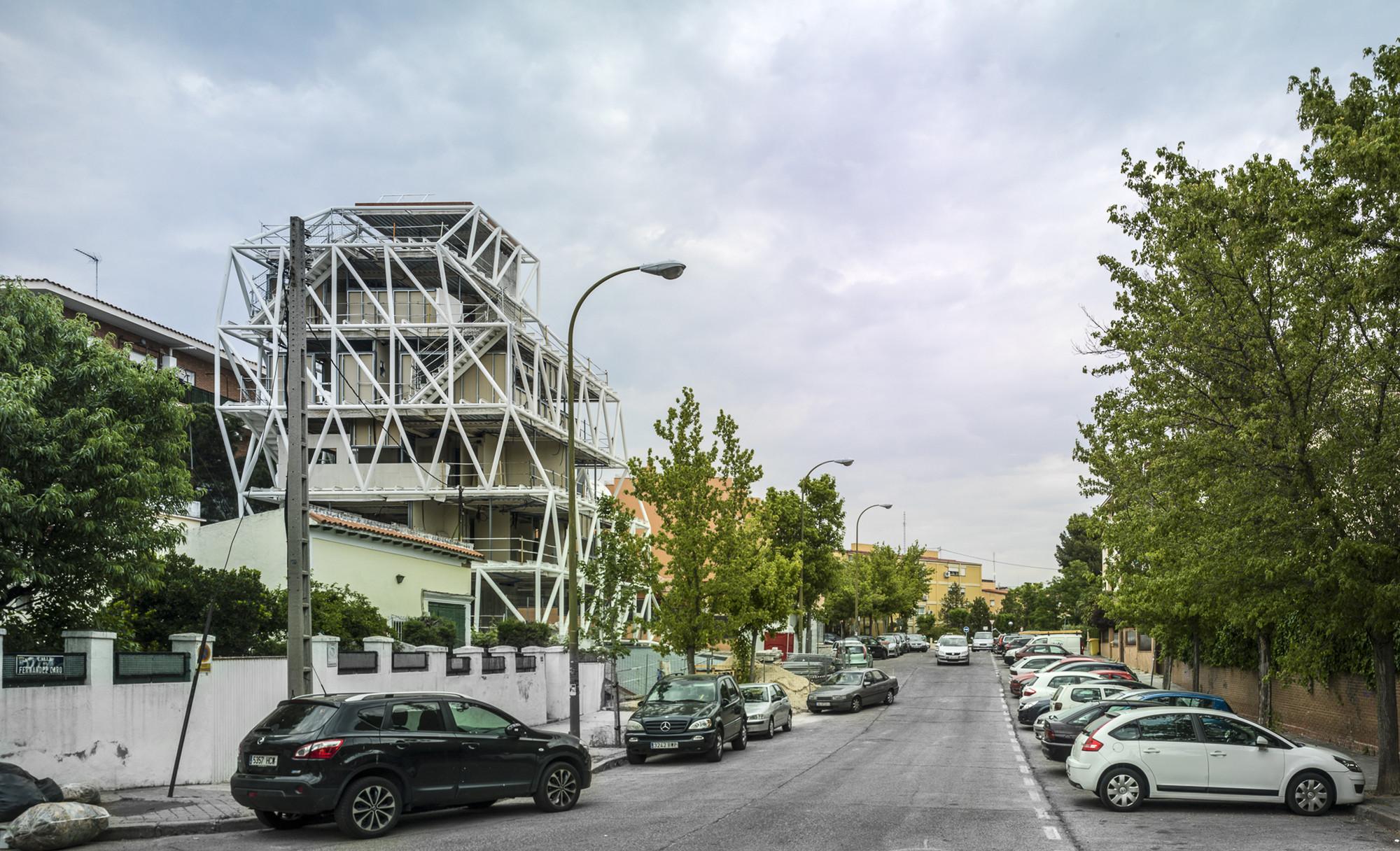 Under Construction: Apartments with perimeter gardens in Madrid / SUMA, © Jesús Granada