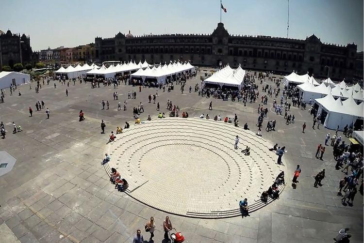 El Zócalo: Una plaza temporal con material reutilizable en México, © Alberto Odériz