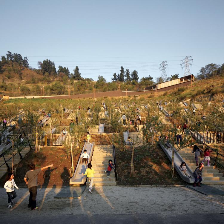Parque Bicentenario de la Infancia / ELEMENTAL. Image © Cristóbal Palma