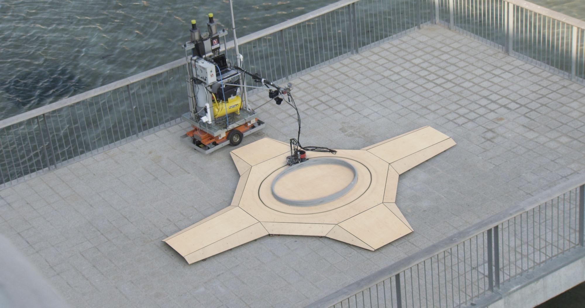 Construcción del nivel de base. Imágen cortesía del Instituto de Arquitectura Avanzada de Cataluña