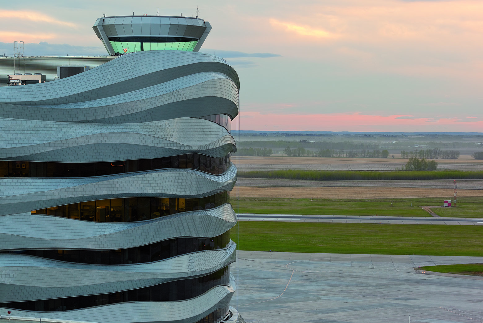 how to get to the edmonton airport