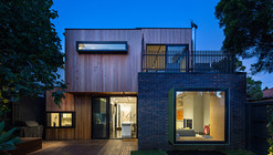 Elwood House / Robert Nichol & Sons
