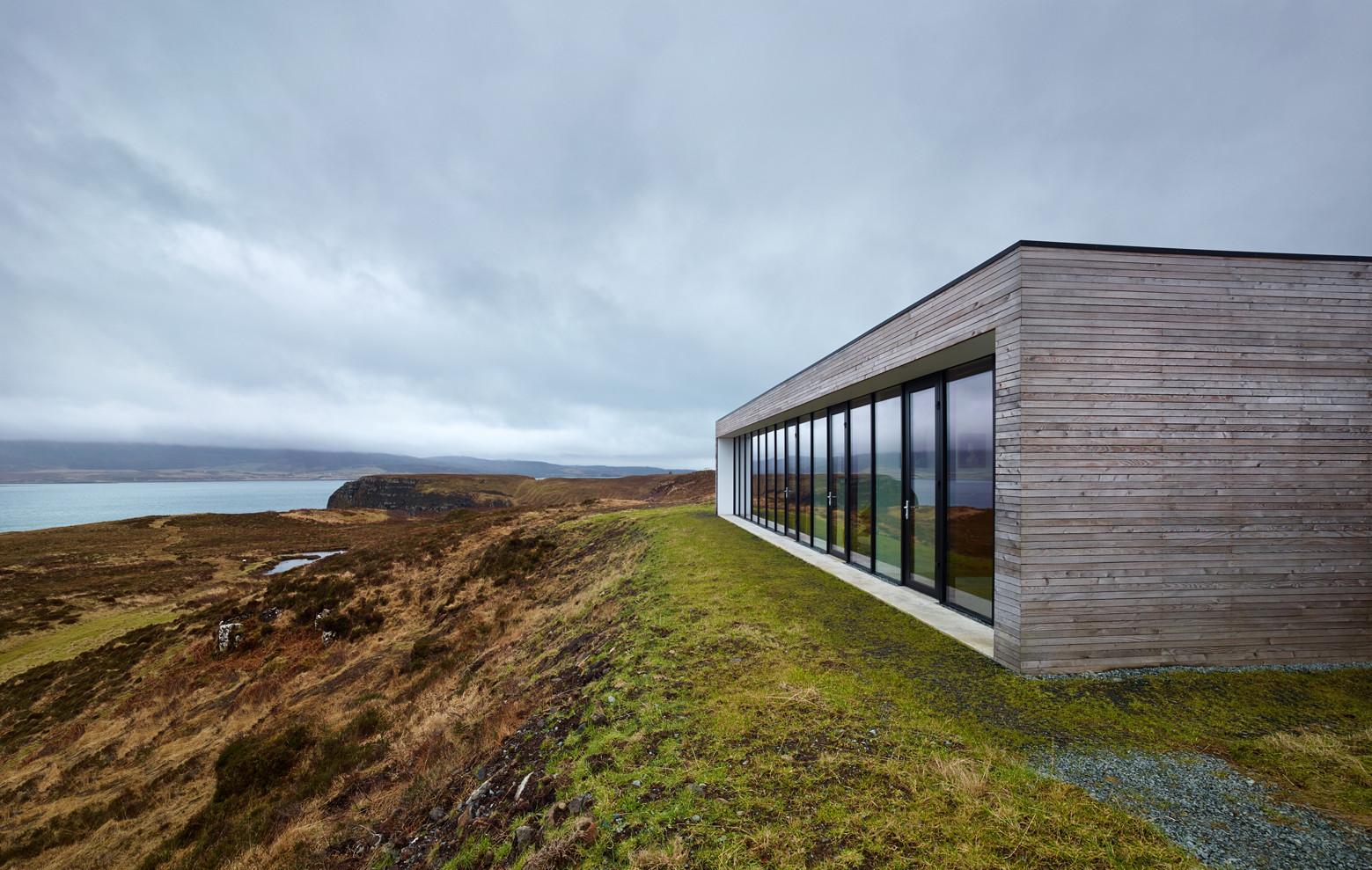 Casa en el acantilado / Dualchas Architects. Imágen © Andrew Lee