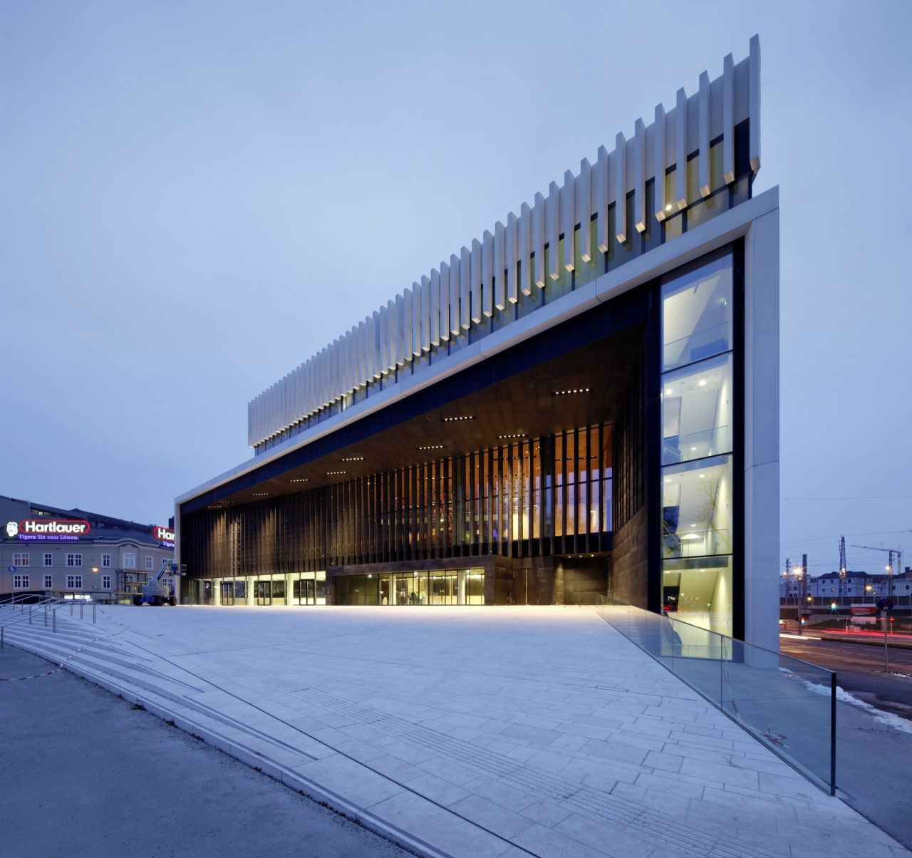 Opera House Linz / Terry Pawson Architects. Imágen © Helmut Karl Lackner