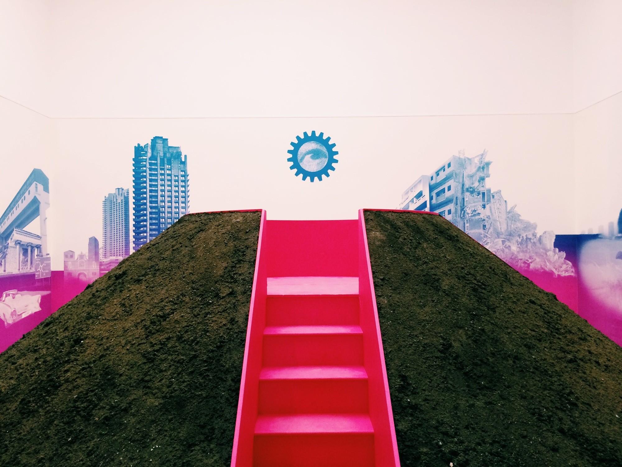 The Mound, Bienal de Veneza 2014. Imagem © James Taylor-Foster