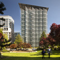 Edith Green-Wendell Wyatt Federal Building / SERA Architects + Cutler Anderson Architects. Image © Nic Lehoux