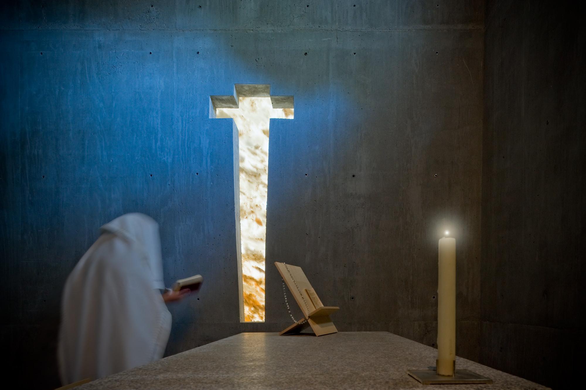 Santo Ovídio Chapel - 2002. Image © Fernando Guerra | FG+SG