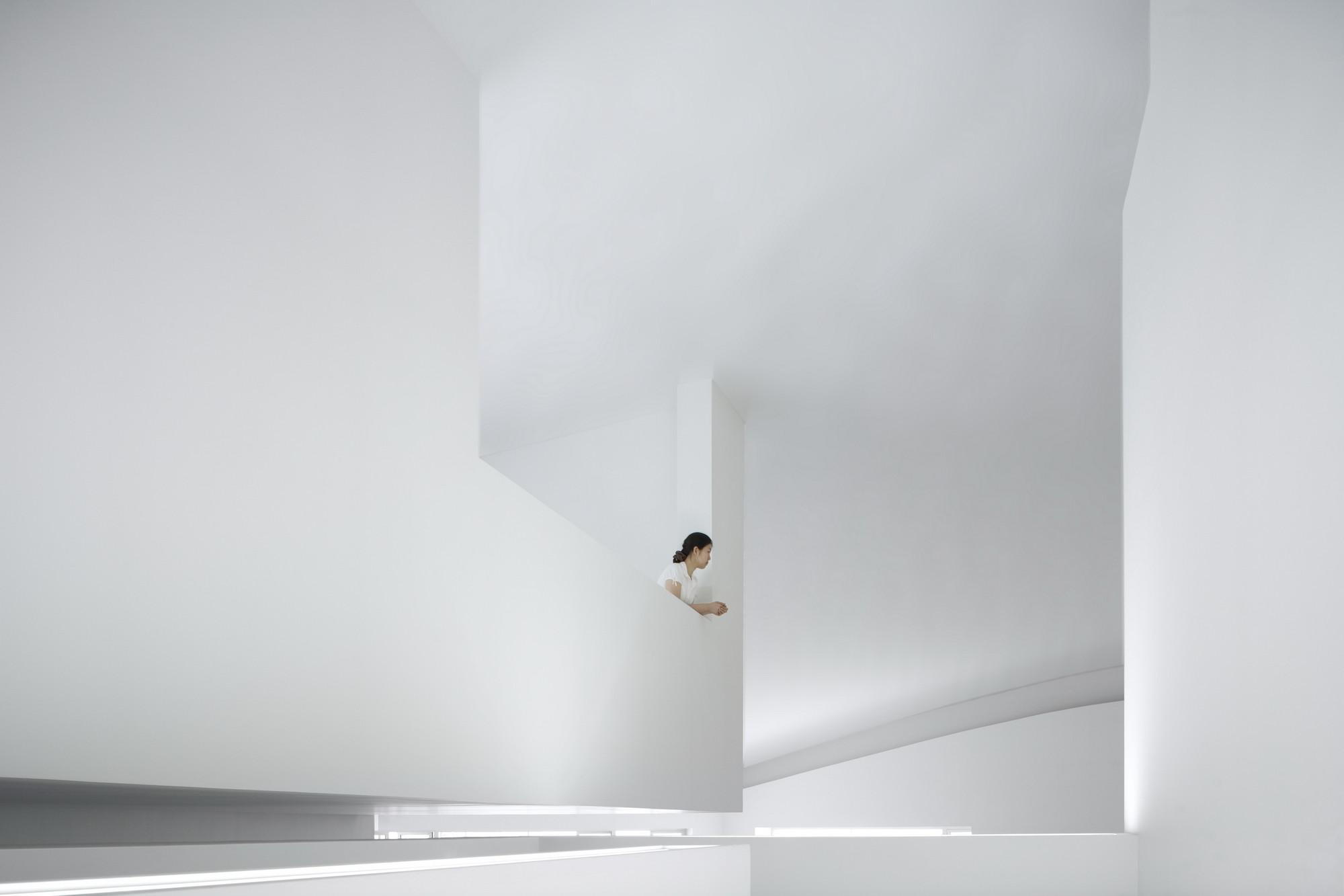 Alvaro Siza Hall, Anyang - 2006. Image © Fernando Guerra | FG+SG