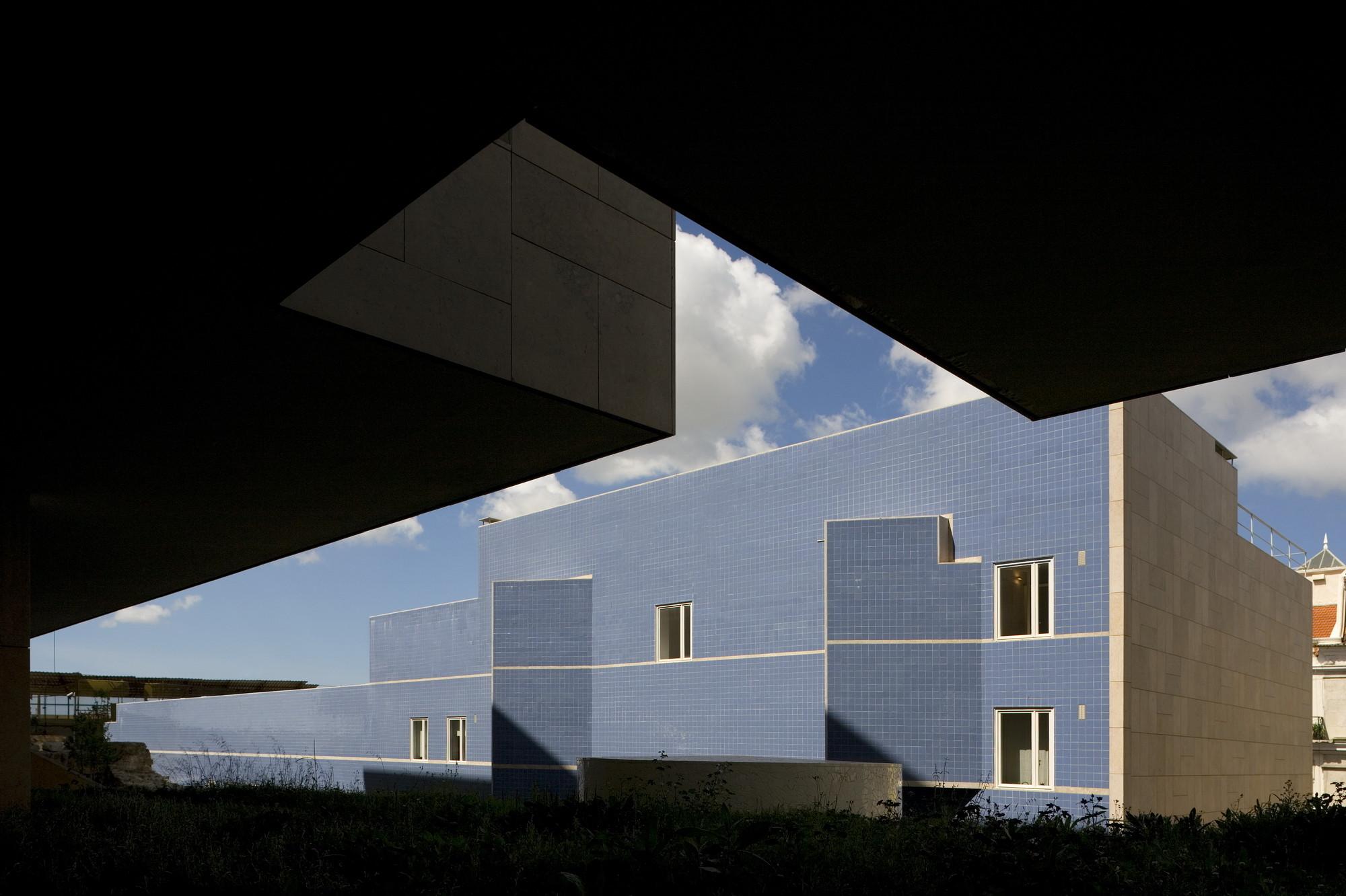 Terraços de Bragança Housing - 2004. Image © Fernando Guerra | FG+SG