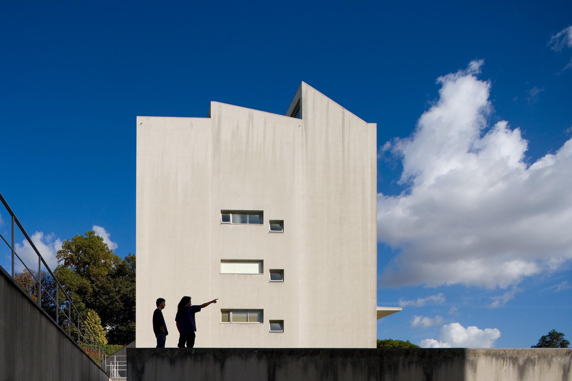 Porto School of Architecture - 1994. Image © Fernando Guerra | FG+SG