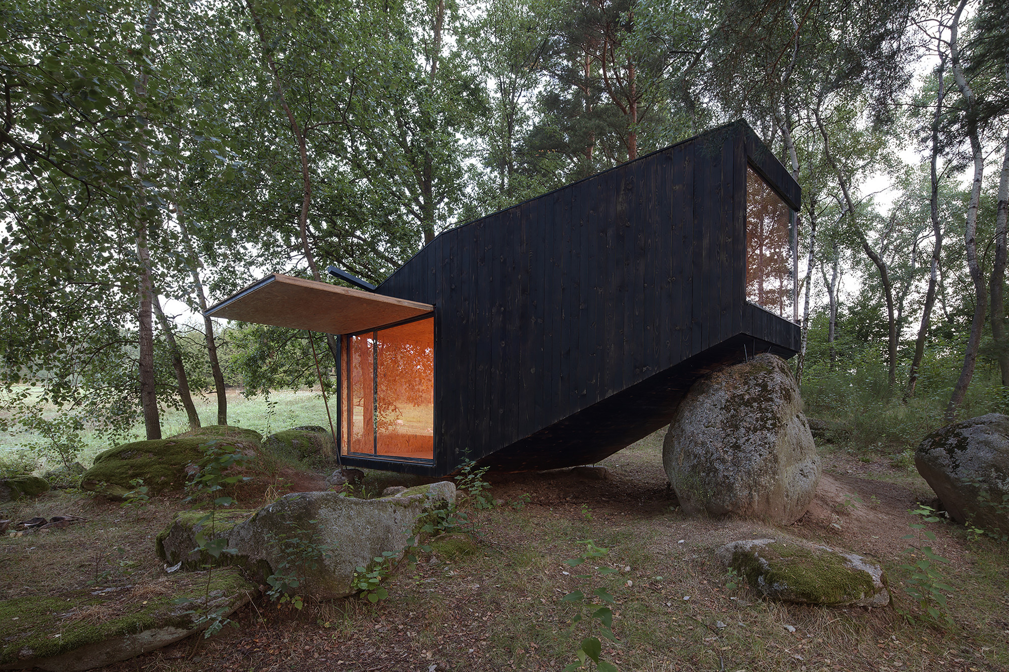Forest Retreat / Uhlik architekti, © Jan Kudej