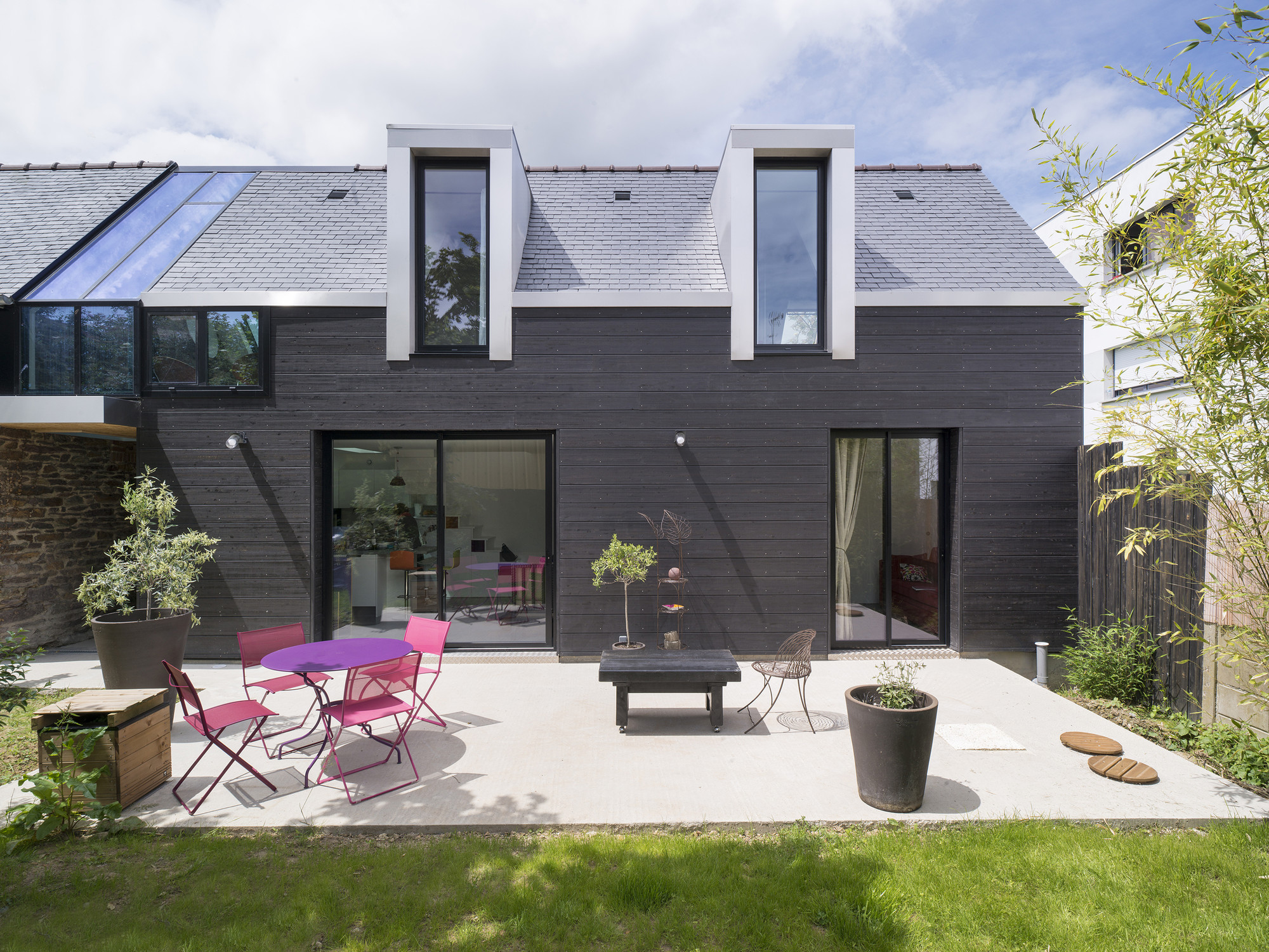 The House Between Cl 233 Ment Bacle Architect Archdaily