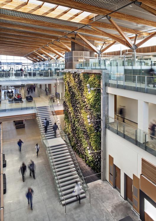 University of Windsor CEI / B+H, © Tony Hafkenscheid