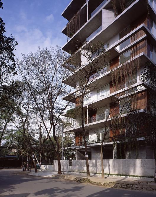 Condominios EHL _ Kashef Chowdhury / URBANA, © Hélène Binet
