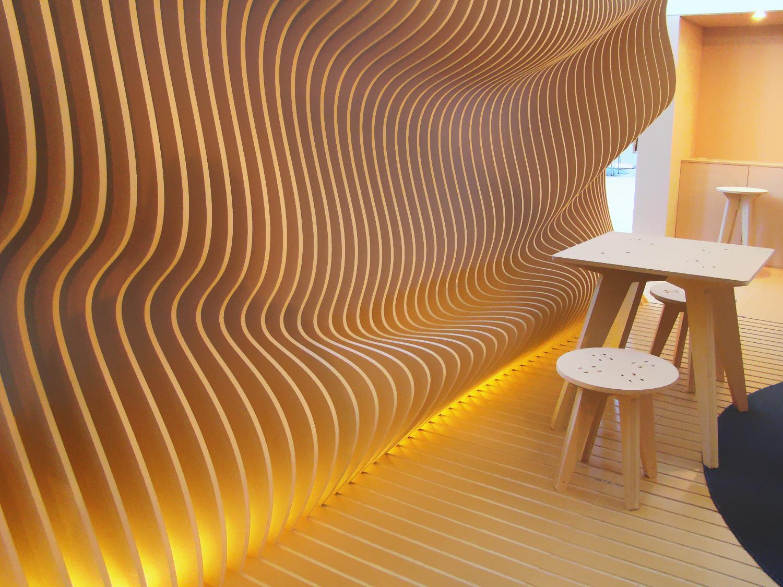Pabellón Ergonómico Construido con Costillas de MDF, © Mercedes Escudero