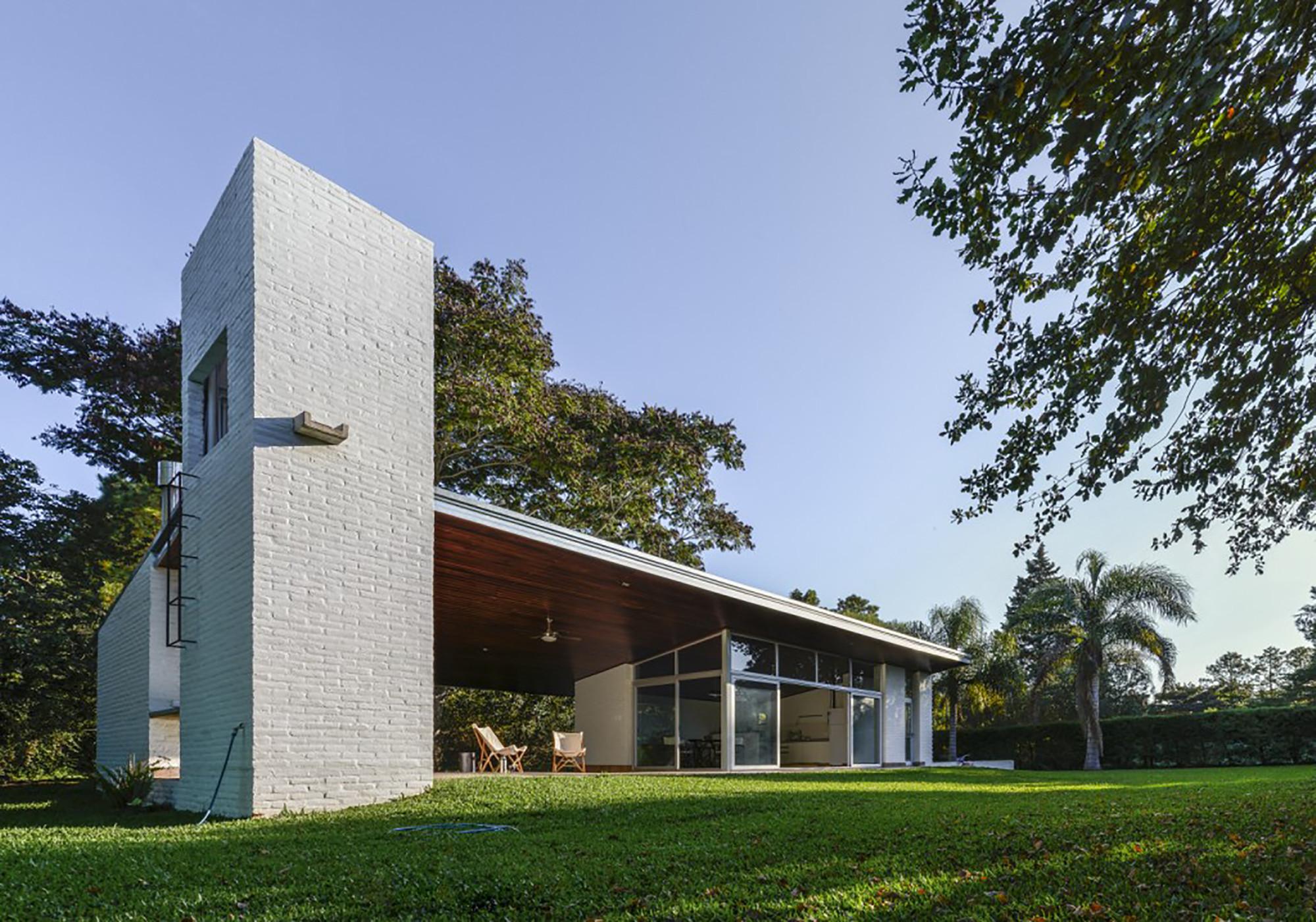 House in Los Molinos  / BIAGIONI_PECORARI Arquitectos, © Ramiro Sosa