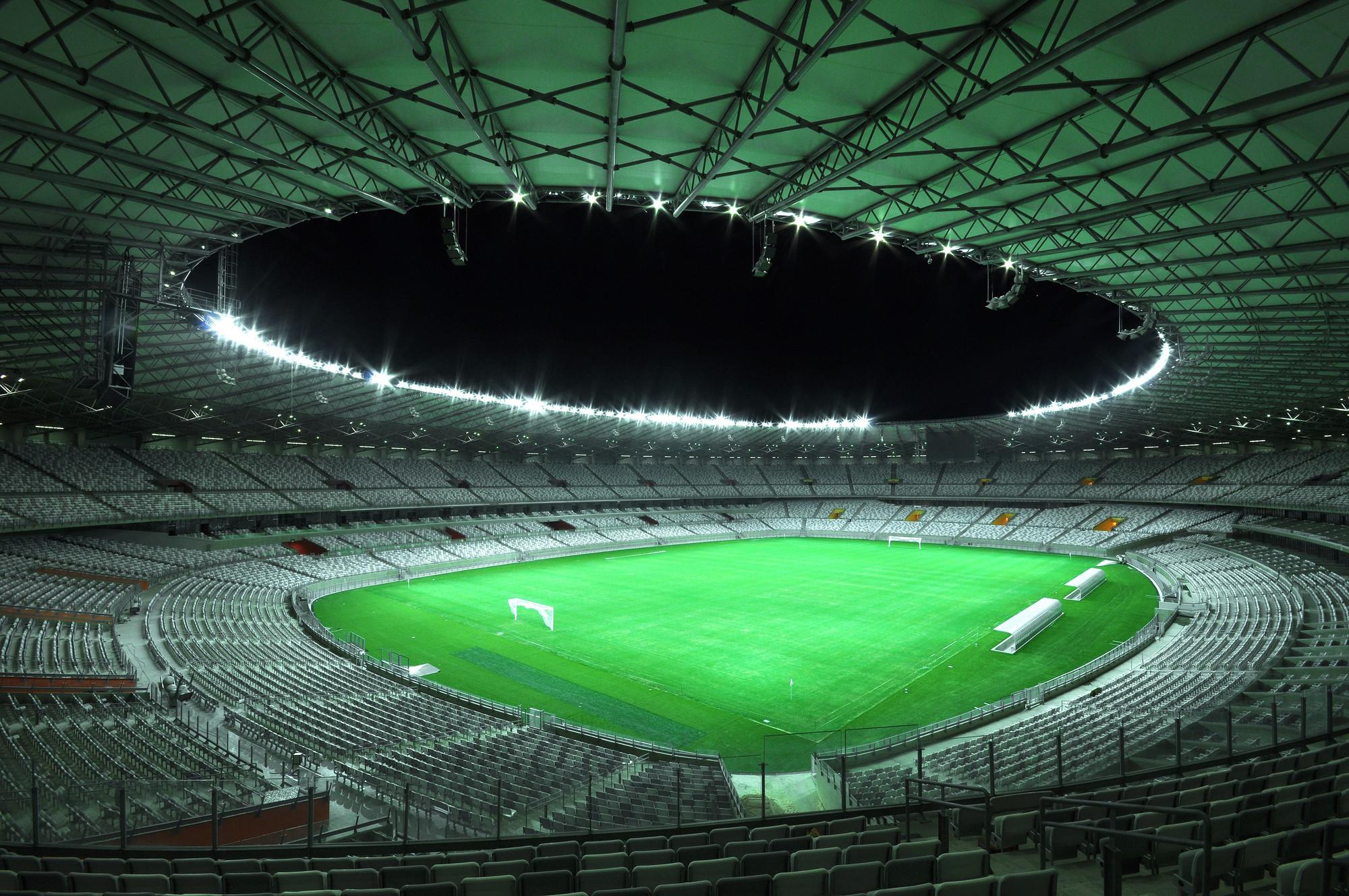 Iluminación de los Estadios de la Copa Mundial FIFA 2014 por Schréder, Estadio Mineirão en Belo Horizonte. Image Courtesy of Schréder