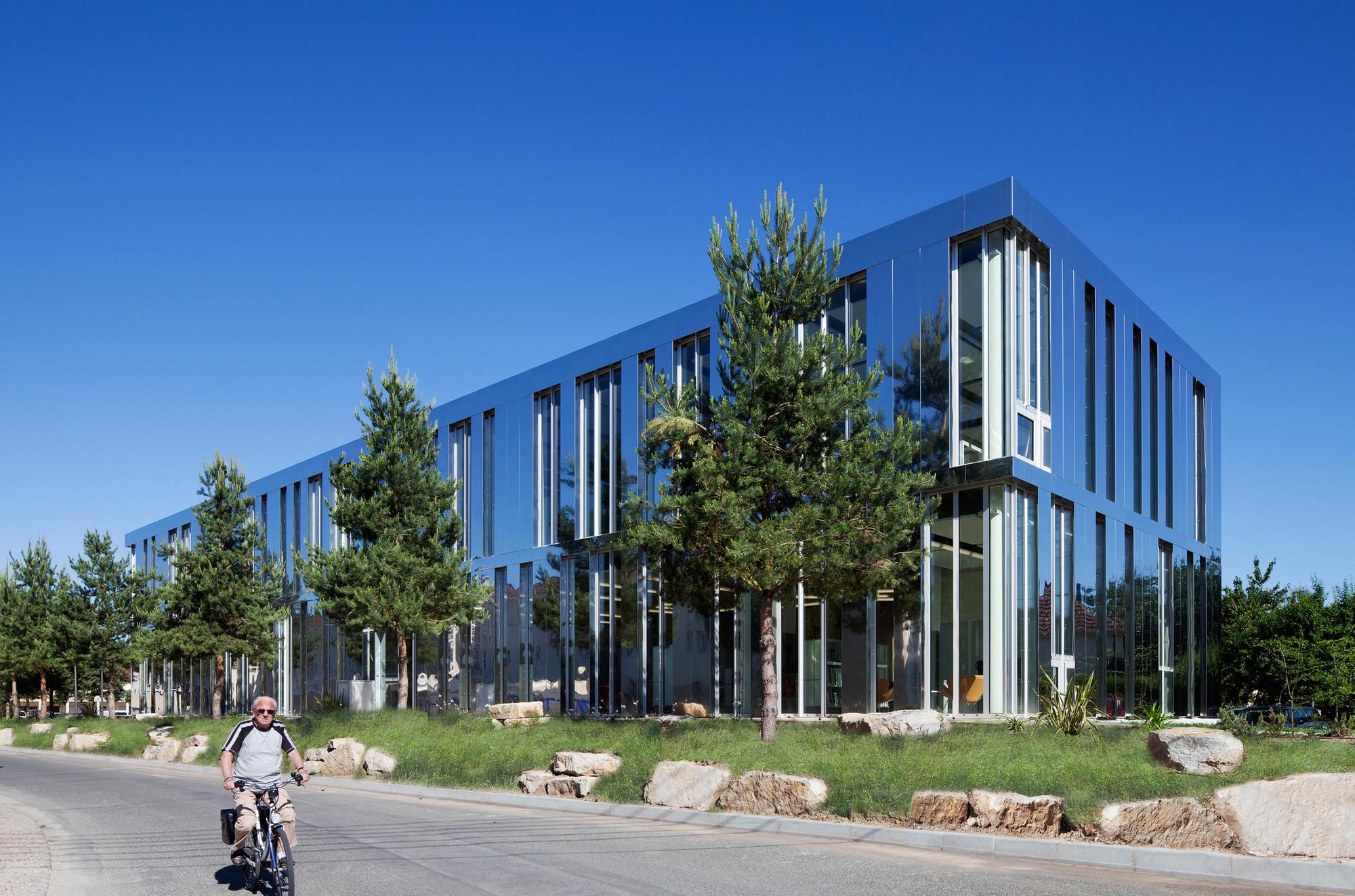 Terrasson's Library / Architecture Patrick Mauger, © Michel Denancé