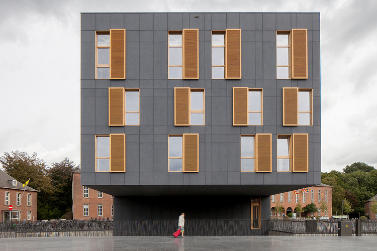 City square Mortsel / ABSCIS Architecten, © Thomas De Bruyne