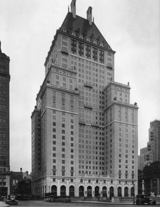 Savoy-Plaza Hotel, New York City. Image © New York Architecture Images