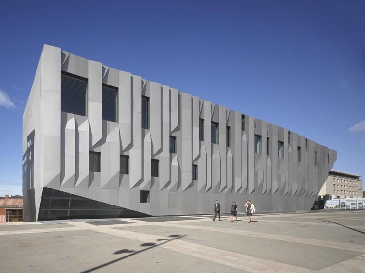 Conservatorio de Música de Aix en Provence / Kengo Kuma & Asociados, © Roland Halbe