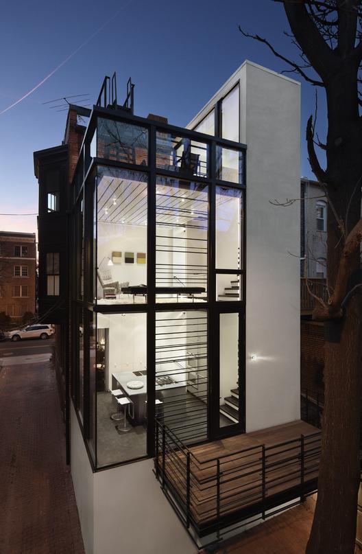 Barcode House / David Jameson Architect . Image © Paul Warchol Photography