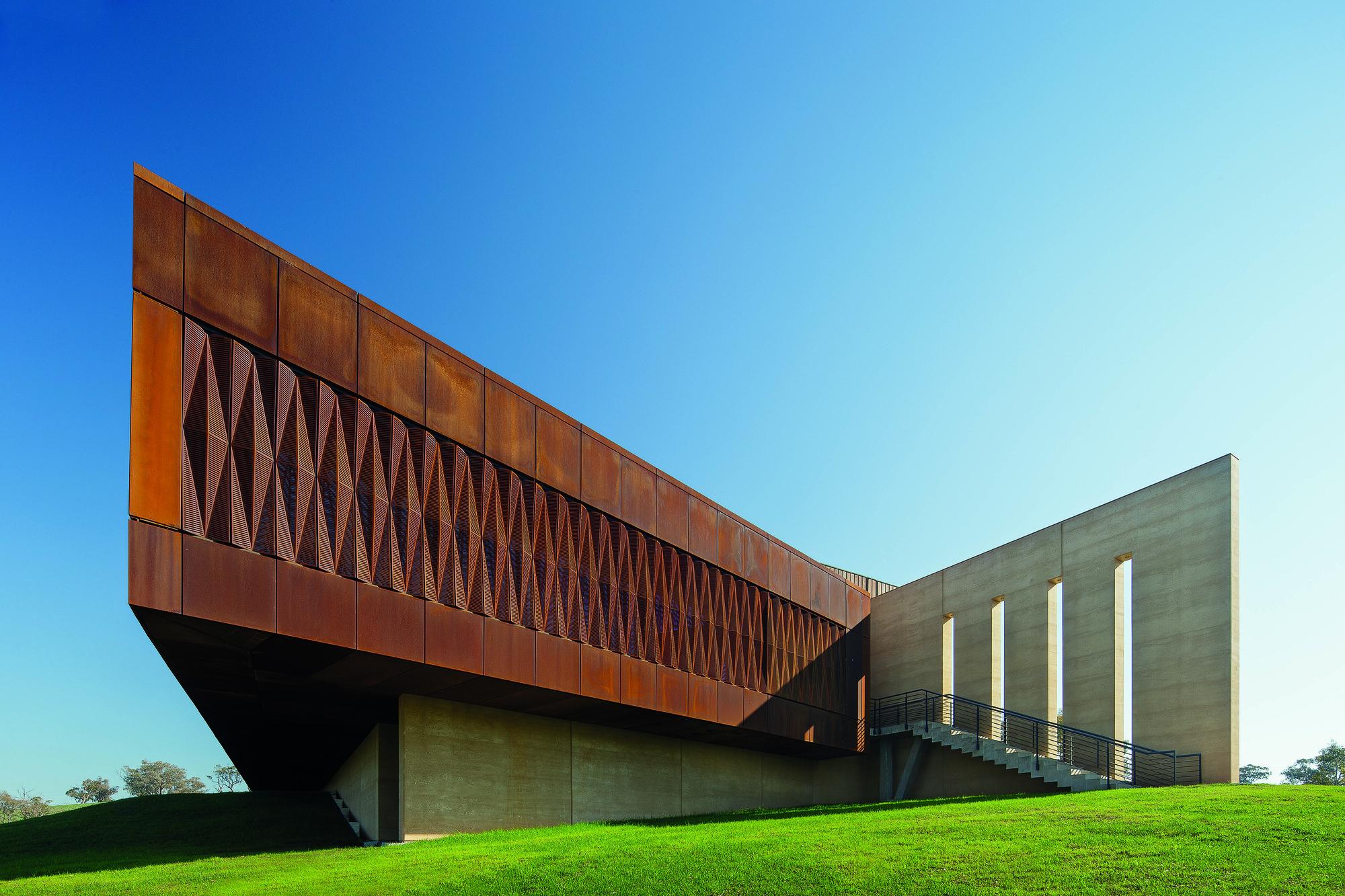 Garangula Gallery / Fender Katsalidis Mirams Architects. Image © John Gollings