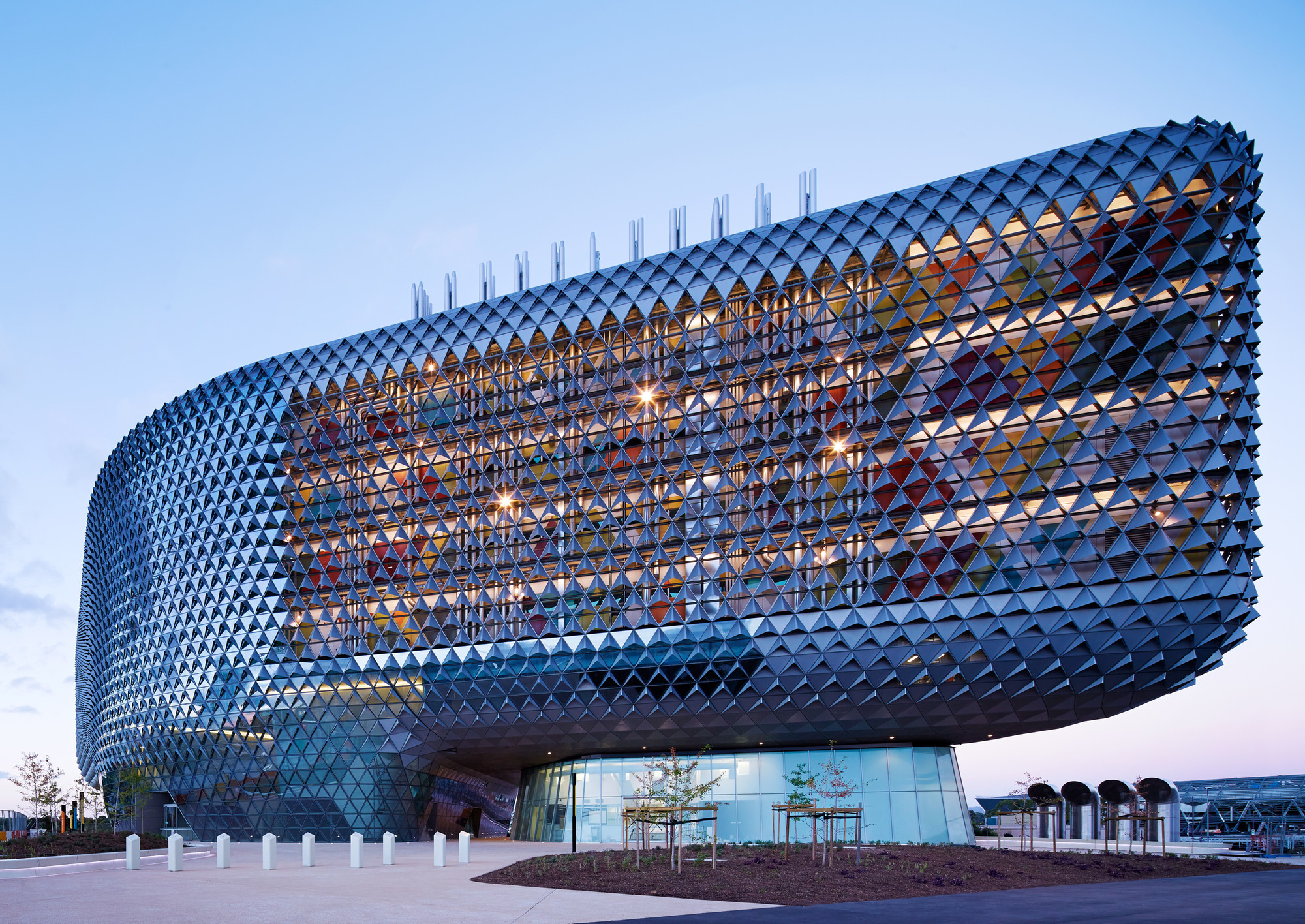 South Australian Health and Medical Research Institute / Woods Bagot. Image © Peter Clarke