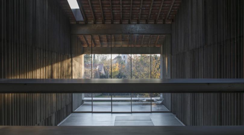 Premio Interiorismo: Casa Entremurs. Image © Pep Sau [Vía FAD]