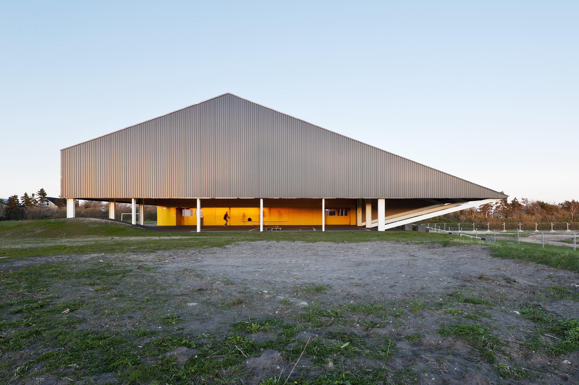Løgstør Sports Hall / CEBRA, © Mikkel Frost