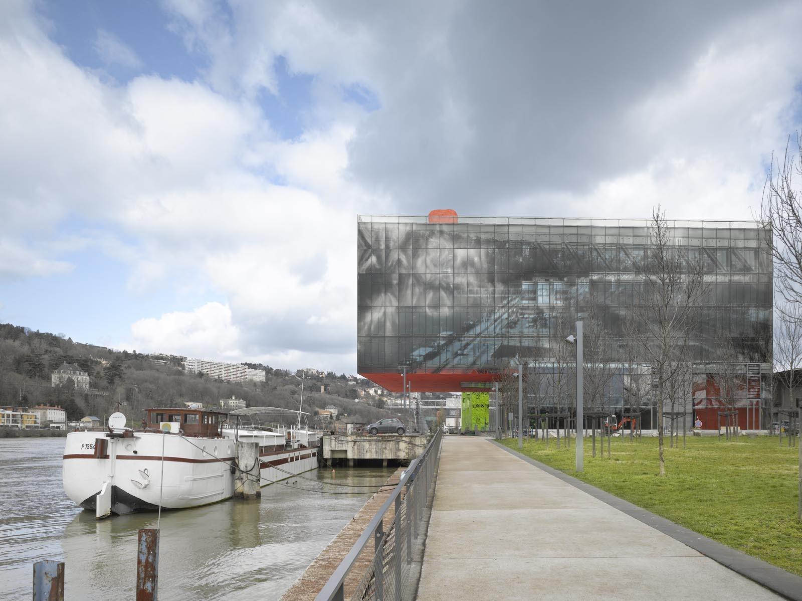 GL Events Headquarters / Studio Odile Decq, © Roland Halbe