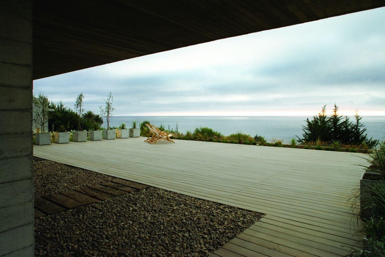 Materiales: Decks de Madera, Casa El Pangue / Elton+Leniz Arquitectos Asociados. Image © Natalia Vial